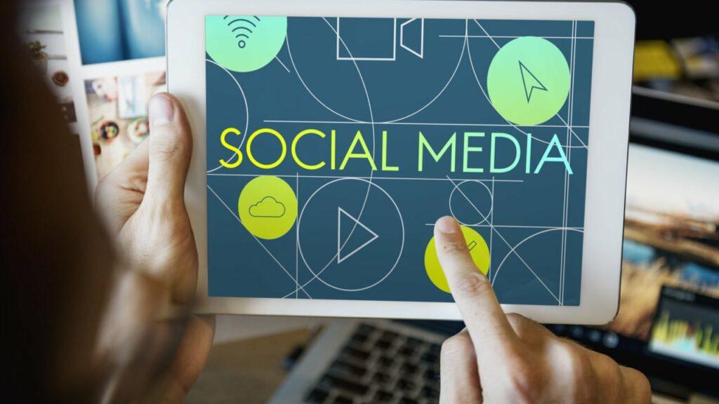 Adobestock 132406828 1280x720 | studio graficzne wzór | jak reklamować firmę w internecie? |