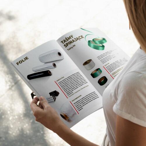 Katalog z opakowaniami Max Pak zaprojektowany przez Studio Graficzne Wzór