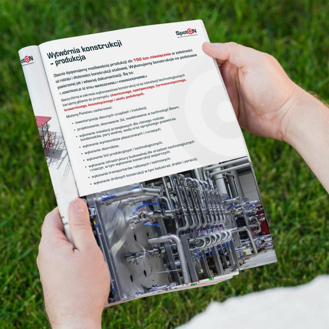 Prezentacja katalogu materiałów budowlanych, zaprojektowanego przez Studio Graficzne Wzór
