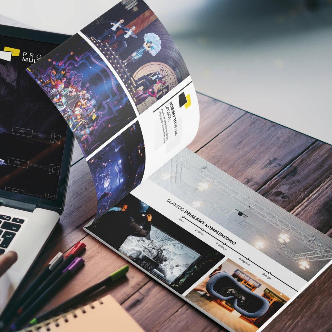 Projekt folderu reklamującego usługi technologiczne firmy Projekt Multimedia