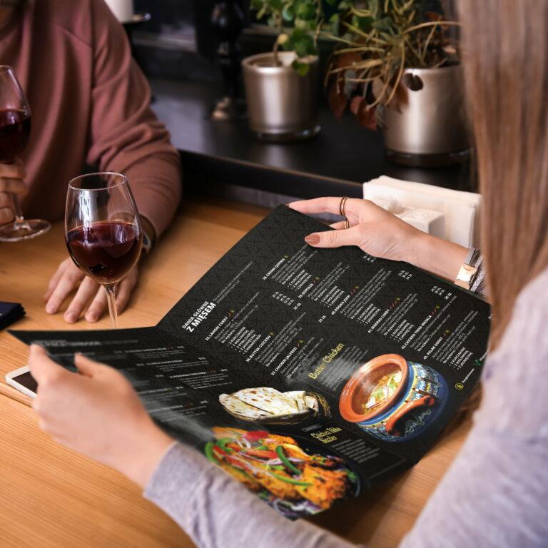 Wizualizacja projektu graficznego menu restauracji Shani Jani