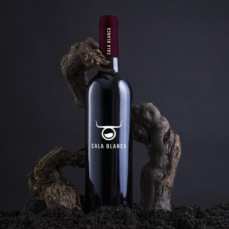 Prezentacja projektu graficznego etykiety na wino firmy #cala-blanca
