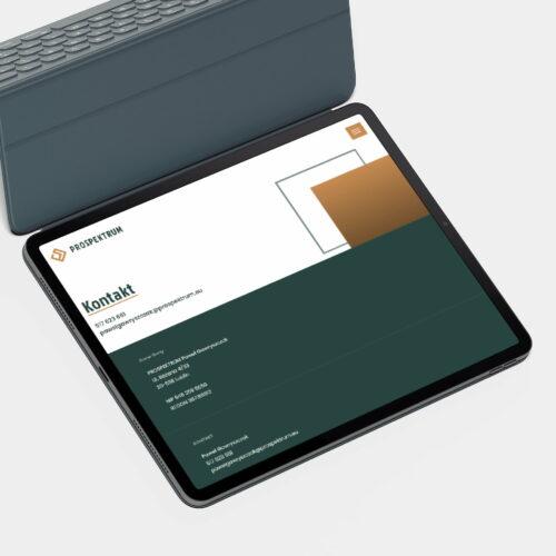 Projekt strony internetowej marki #prospektrum widoczny na tablecie